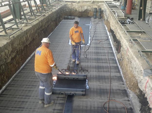 výstavba kolejové váhy v areálu Cukrovaru Dobrovice; izolace základové desky