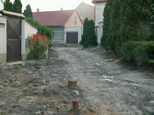 rekonstrukce komunikací v Libochovicích, z průběhu výstavby