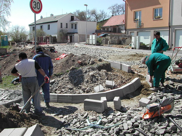 výstavba komunikací v Litoměřicích, Višňová ulice – z průběhu výstavby