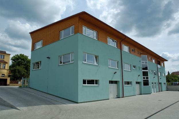 sídlo firmy v Litoměřicích, pohled z areálu