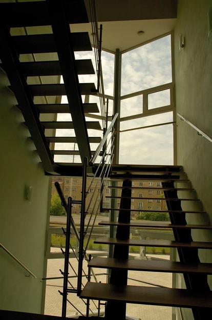 sídlo firmy v Litoměřicích, řešení schodiště