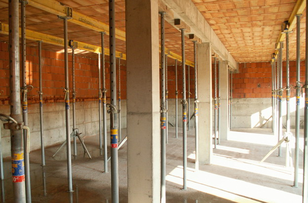 sídlo firmy v Litoměřicích, podpůrná konstrukce stropu