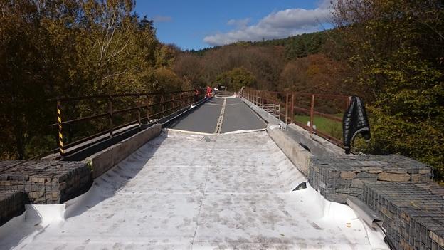 most km 32,375, pokládka vodotěsné izolace