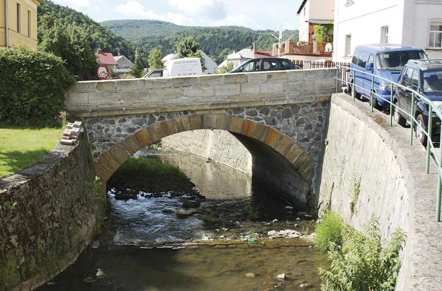 Benešov nad Ploučnicí, sanace stávající kamenné klenby + nové kamenné zábradlí
