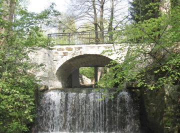 most v Heřmanicích v Podještědí, pohled na výtok po rekonstrukci