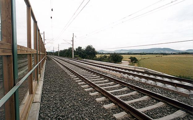 most Hrdly, železniční svršek na novém mostě