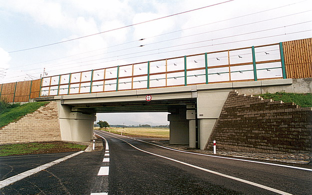 most Hrdly, pohled na nový most z jihu
