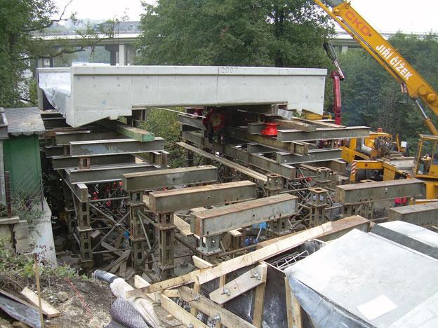most na trati Liberec–Harrachov, zásun železobetonové mostovky