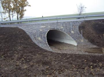 Ploskovice, nový železobetonový most na stávajících podpěrách
