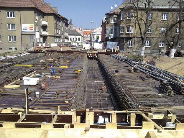 most v Rakovníku, průběh výstavby – armování