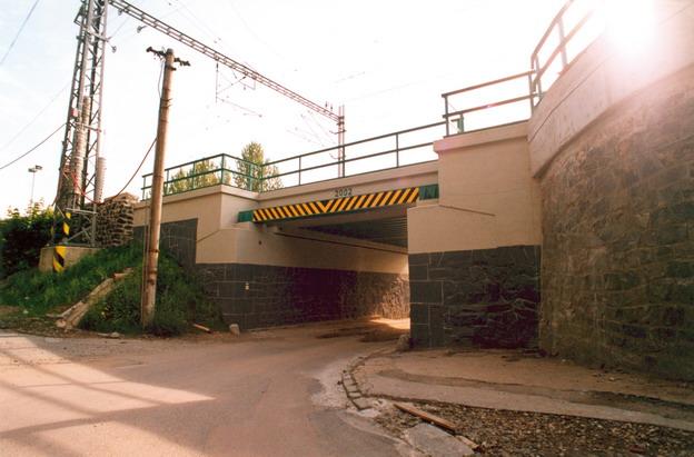 most Roztoky, pohled od města