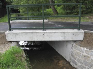 Staré Křečany, opravený mostek