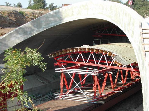 most Žďárek, odbednění oblouku