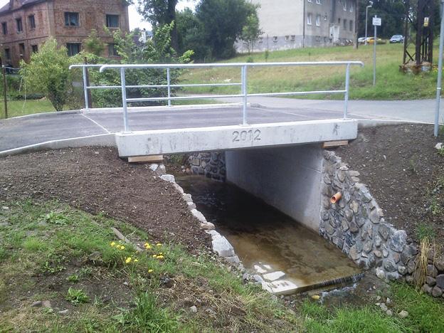 Rekonstruovaný mostek ve Volfarticích