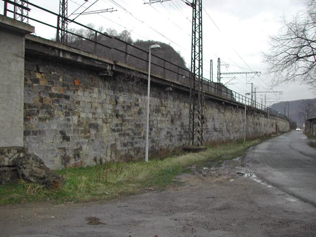 opěrná zeď v Ústí nad Labem, původní stav